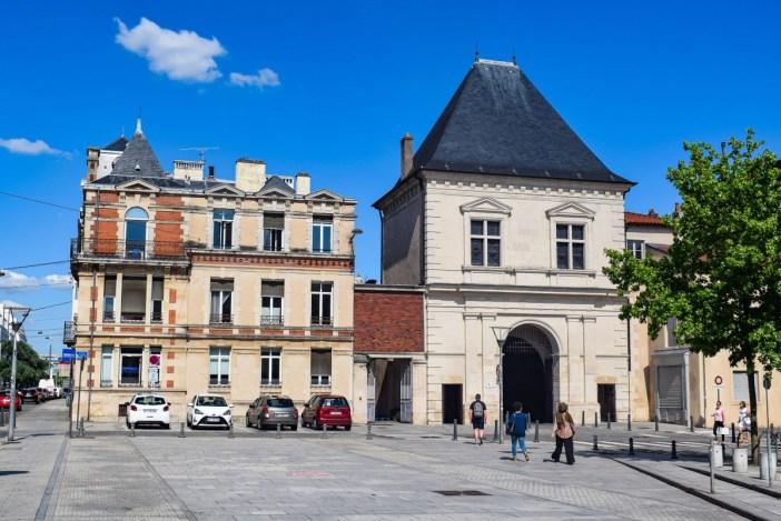 Porte Saint-Georges (Côté Ville) © French Moments