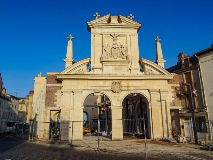 La Porte Saint-Nicolas, côté Campagne © French Moments