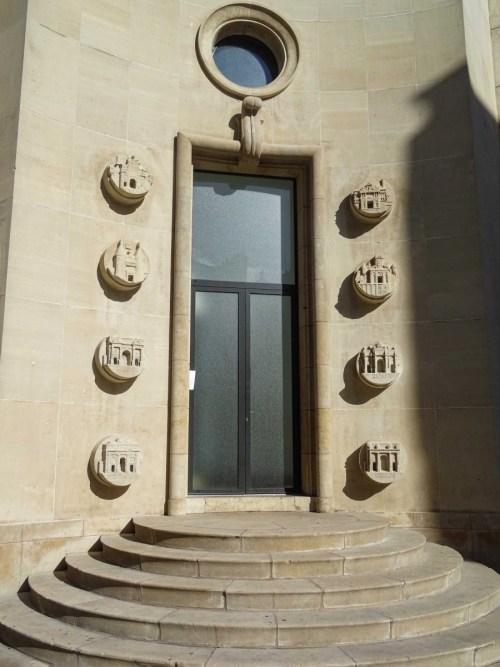 Les portes de Nancy à l'arrière de l'Hôtel de Ville © French Moments