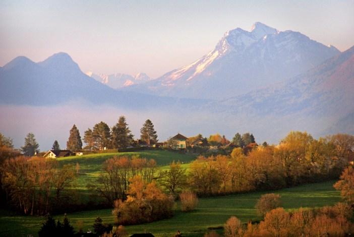 Paysages romantiques autour du lac d'Annecy © French Moments