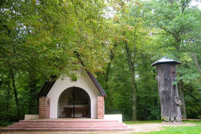 Le Gros Chêne dans la forêt d'Haguenau, par Richieman [Public Domain]