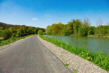 Les plus belles pistes cyclables d'Alsace - le long du Canal du Rhône au Rhin © French Moments