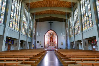 Seltz - la nef de l'église Saint Etienne © Ralph Hammann - licence [CC BY-SA 4.0] from Wikimedia Commons