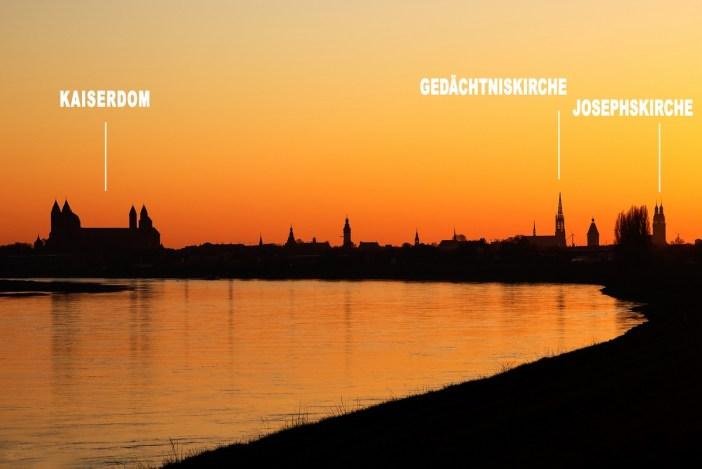 La skyline de Spire vue depuis les bords du Rhin Stock Photos from Philmoto / Shutterstock