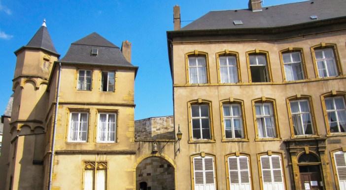 L'hôtel Créhange à Thionville. Photo : Aimelaime [Domaine Public]