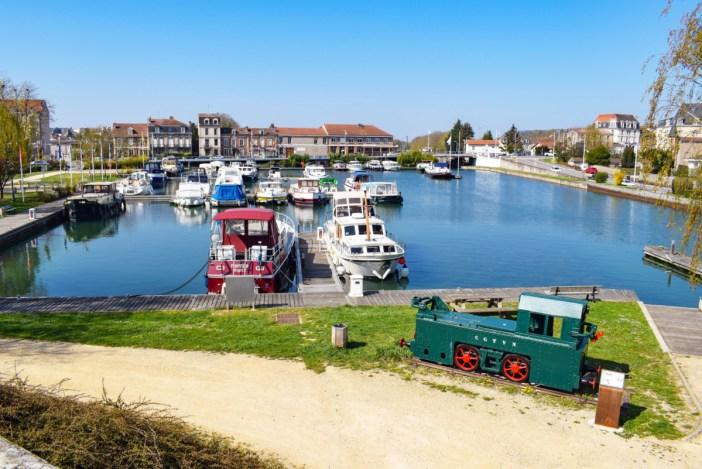 Le port de plaisance de Toul © French Moments