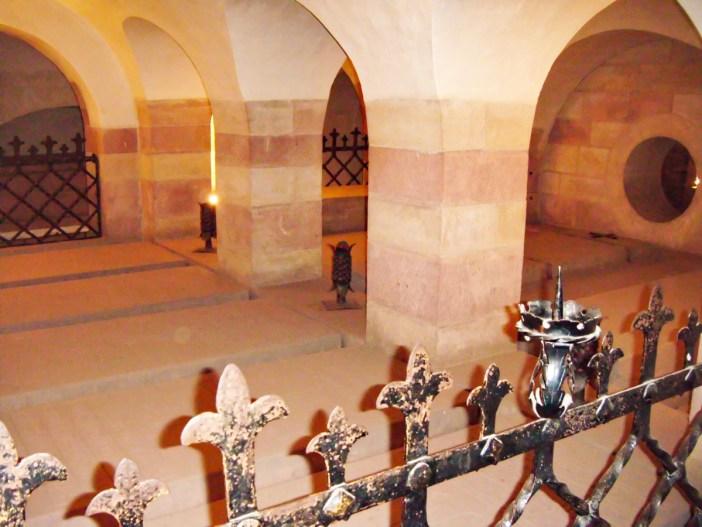 La crypte impériale de la cathédrale de Spire © Altera levatur - licence [CC BY-SA 4.0] from Wikimedia Commons