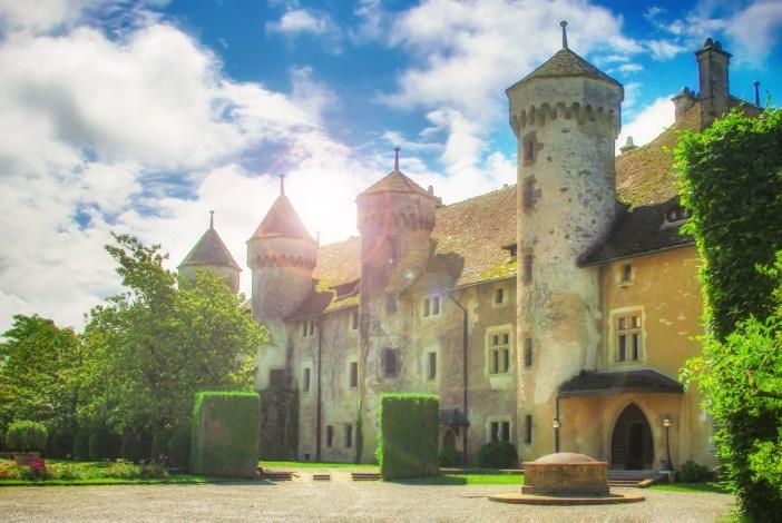 Façade du château de Ripaille © French Moments