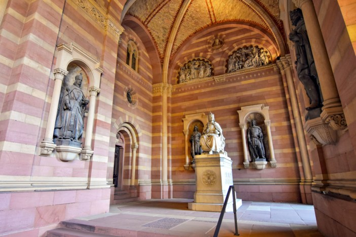 Le Narthex de la cathédrale de Spire © BlueBreezeWiki - licence [CC BY-SA 3.0] from Wikimedia Commons