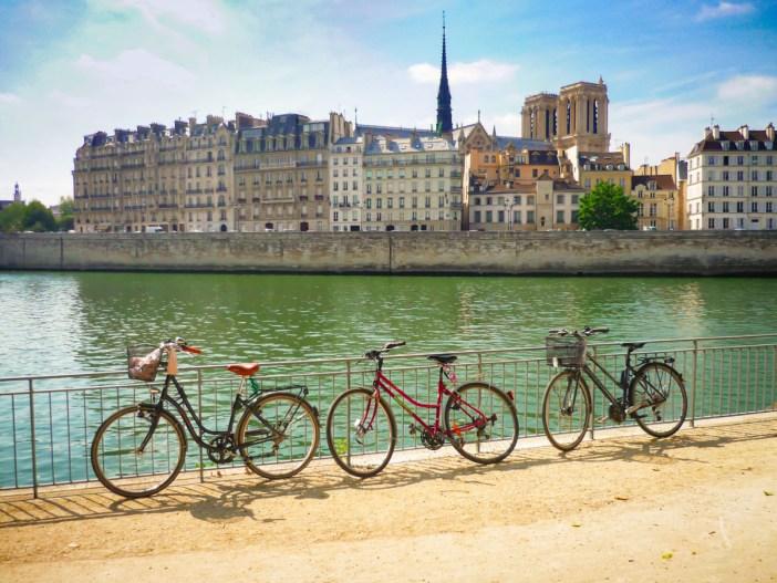 Ile de la Cité, Paris © French Moments