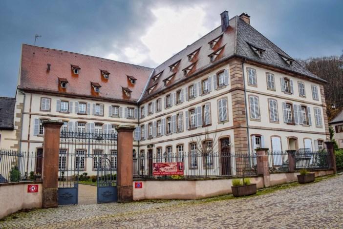 Anciens bâtiments de l'abbaye (maison de retraite Stoltz Grimm) © French Moments