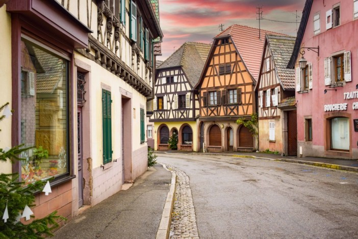 Village d'Alsace - Andlau, Rue du Général de Gaulle © French Moments