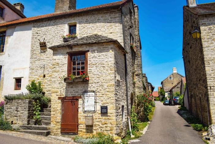 La maison de la place aux Porcs à Châteauneuf © French Moments