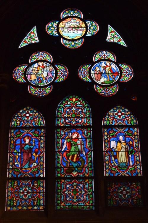 Vitraux de Lorraine dans l'église Sainte-Ségolène © French Moments