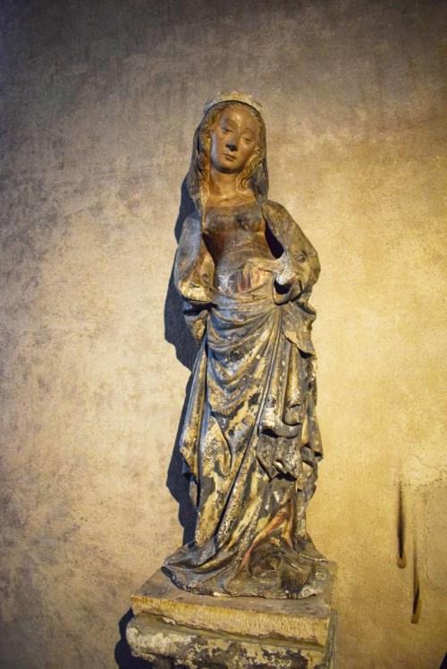 Basilique Saint-Maurice - Vierge à la rose (14e siècle) © French Moments