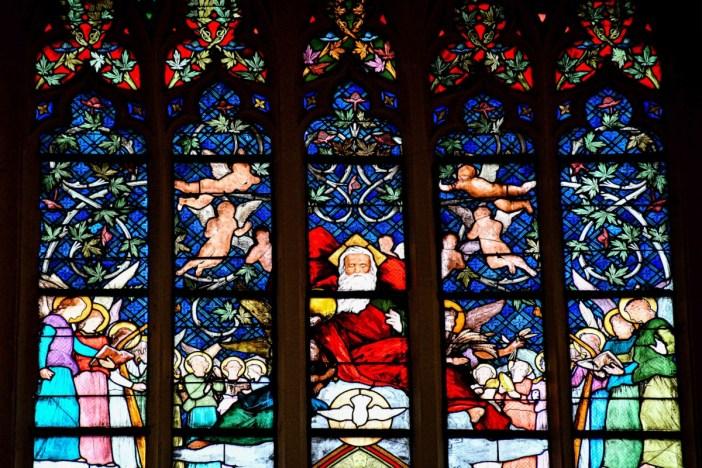 Vitraux de l'église abbatiale de Remiremont © French Moments
