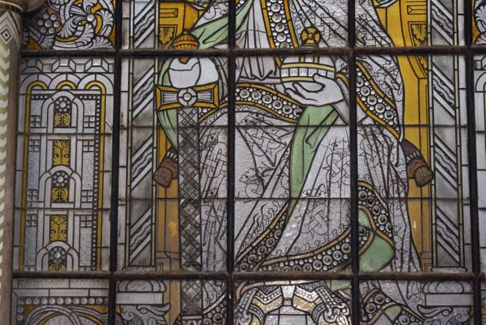 Détail du vitrail de Charlemagne, gare de Metz © French Moments
