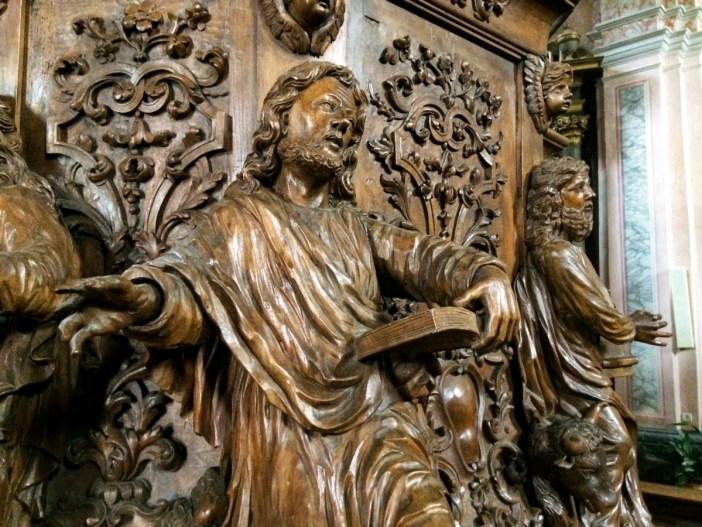 Détail de la chaire à prêcher de l'église de Conflans © French Moments