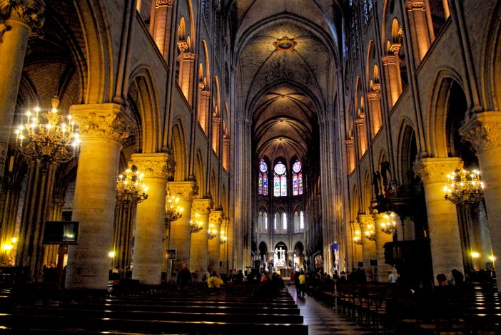 Nef de Notre-Dame © French Moments