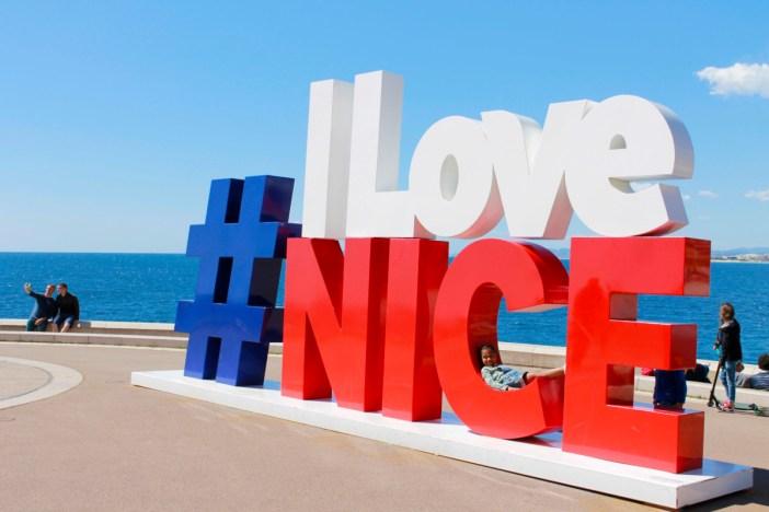 Sur la Promenade des Anglais à Nice @ aina.zholudeva via Twenty20