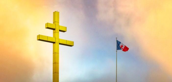 Croix de Lorraine by French Moments