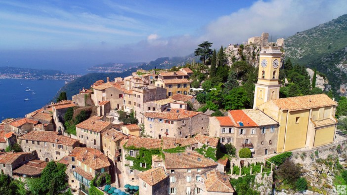 Eze © Jean Pierre Lozi - licence [CC BY-SA 3.0] from Wikimedia Commons