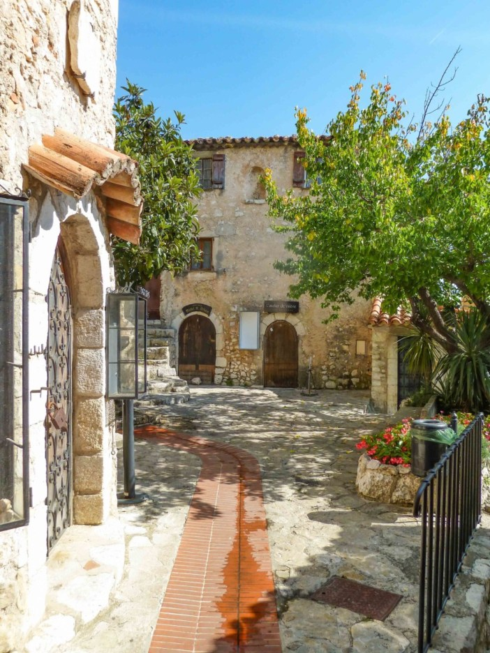 Eze, Place du Planet © Abxbay © M.Strīķis - licence [CC BY-SA 4.0] from Wikimedia Commons