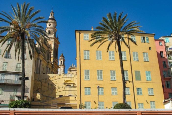 Les Rampes dans la vieille ville et l'Hôtel Pretti à droite. Photo : Tangopaso (Domaine public)