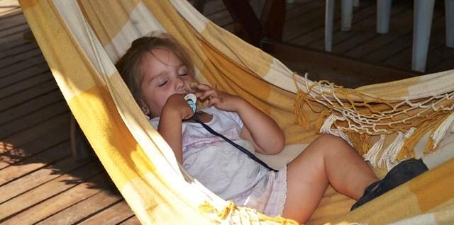 Comment dormir quand il fait trop chaud avec 19,5 astuces