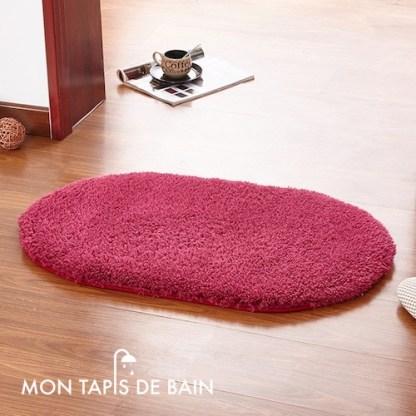 tapis de bain memoire de forme rouge