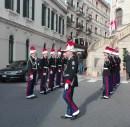 15 immagini del 2017 di Monaco Italia Magazine: I Carabinieri del Principe presso la Cattedrale di Monaco il giorno della Festa Nazionale