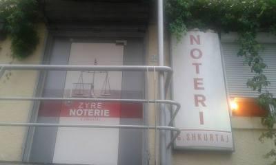 L'ufficio notarile di Gelanda Shkurtaj a Tirana, in Albania