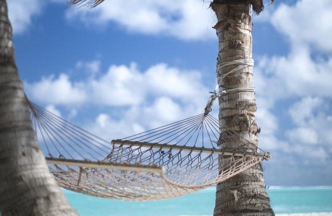 """Stress da Rientro dalle Vacanze: Ma nella Riviera ed in Costa Azzurra l' """"Estate"""" Non è Ancora Finita, Ft. Mohamed Ajufaan"""