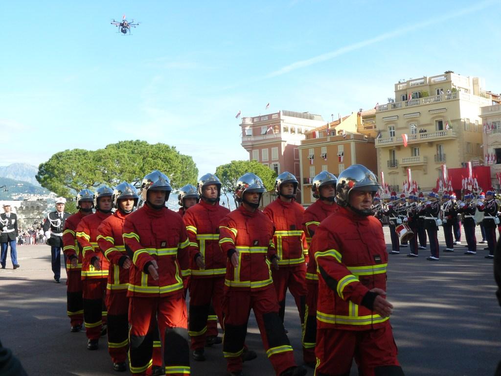 Lotta agli Incendi Boschivi: l'Allenamento dei Vigili del fuoco di Monaco