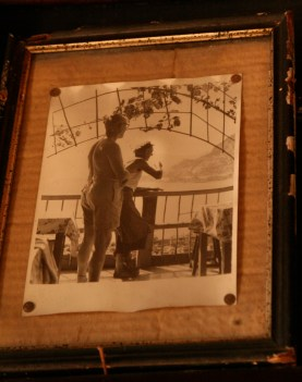 Old photo of Le Corbusier with Thomas Rebutato @CelinaLafuenteDeLavotha