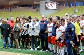 Osvaldo Moi and Prince Albert and the teams with the trophies