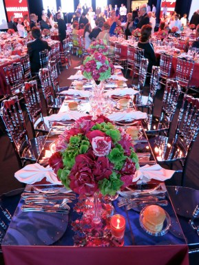 The beautifully decorated tables at the Red Cross Ball in Monaco@CelinaLafuenteDeLavotha