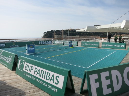 The mini-tennis court built on the upper terrace of the Yacht Club of Monaco @CelinaLafuenteDeLavotha