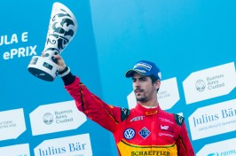 Lucas Di Grassi with his 3rd position trophy in Buenos Aires February 6, 2016 @P1 Media Relations