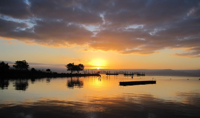 israel-sea-of-galilee-sunrise-swim-water-sky
