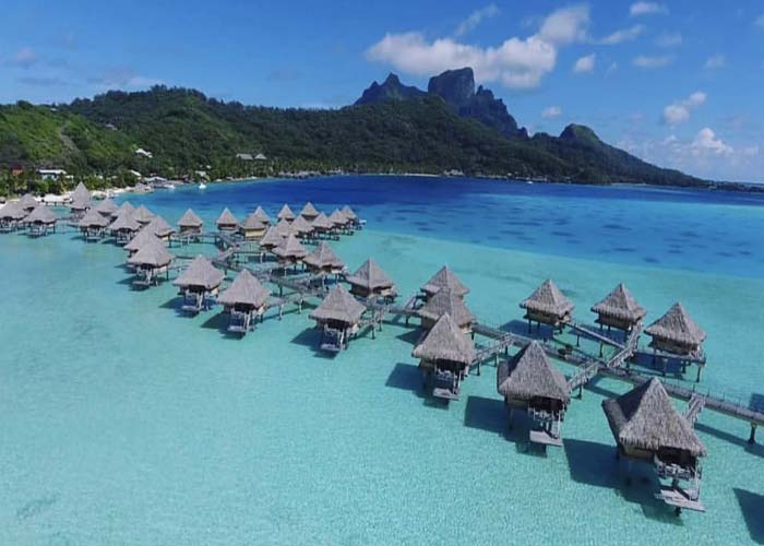 bora bora vs. Maldives
