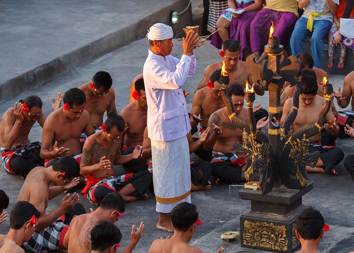 uluwatu temple.jpg