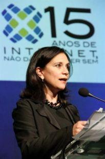 A IAB escalou uma das pioneiras na web para o Evento Internet - 15 Anos: Mona Dorf!