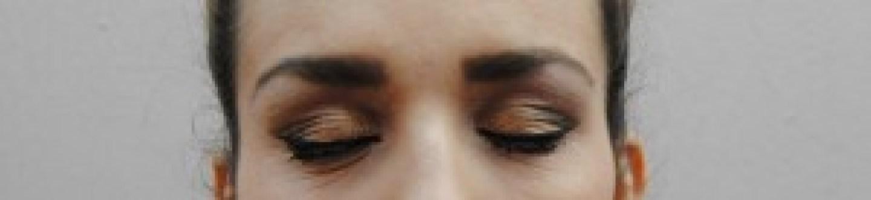 deux yeux maquilles
