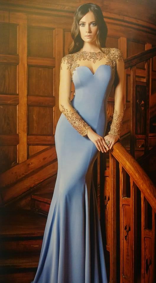 robe libanaise bleue ciel avec manches