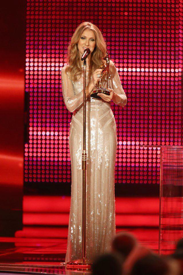 Elie Saab habille Celine Dion