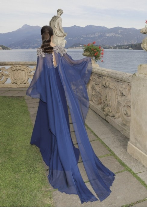 robe bustier bleu et cape Tarik Ediz