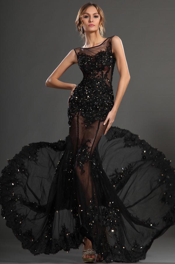 La plus belle robe orientale de Haifa Wehbe, robe myriam fares, robe noire transparente libanaise.