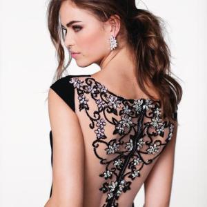 Les plus belles robes de soirée pour femmes petites TOP 25
