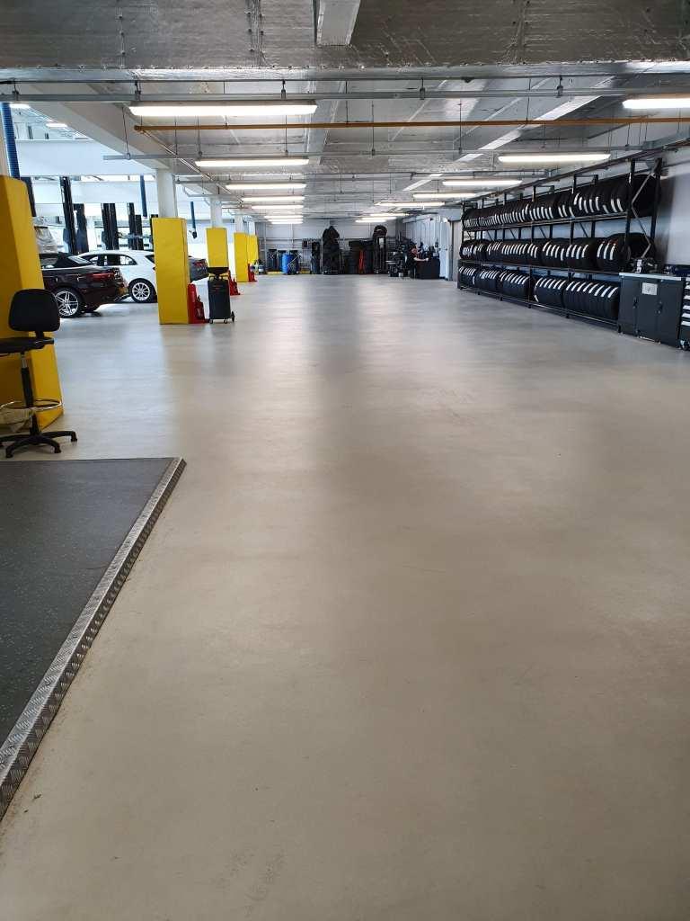 workshop floor mercedes stockport